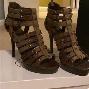 Never worn strappy heel
